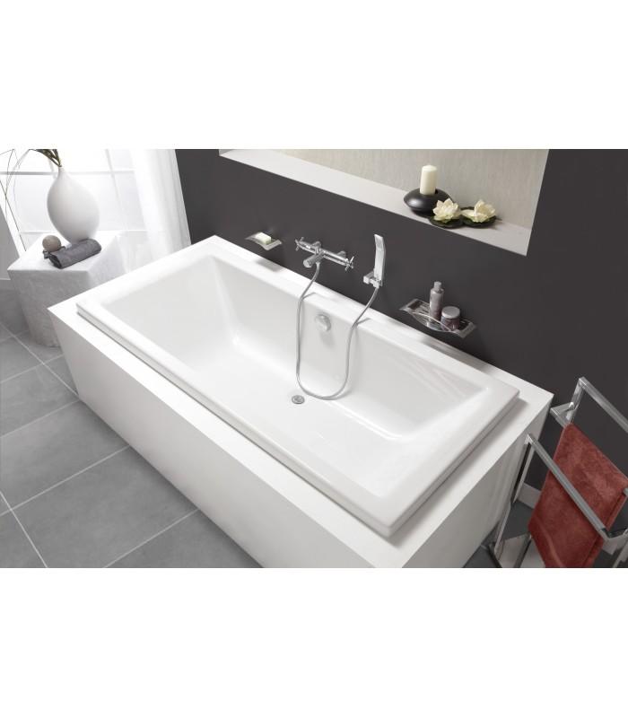 baignoire ouverte baignoire acrylique ou toplax catgorie baignoire page du guide et comparateur. Black Bedroom Furniture Sets. Home Design Ideas